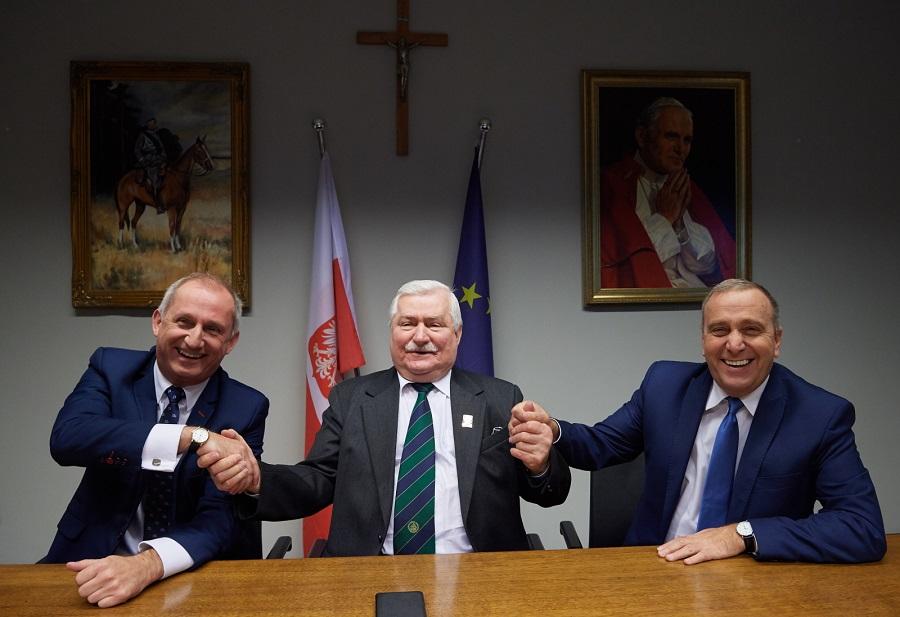 Platforma z Wałęsą