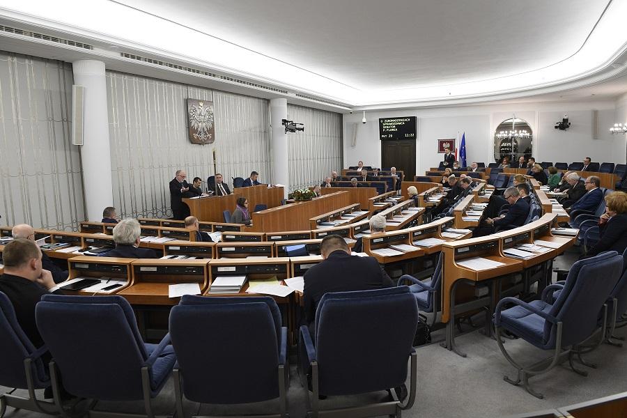 Zgromadzenia wciąż zagrożone