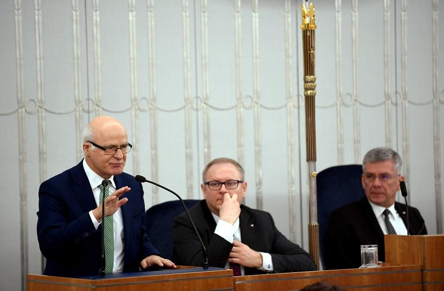 Senat przyjął budżet. Borusewicz: To farsa