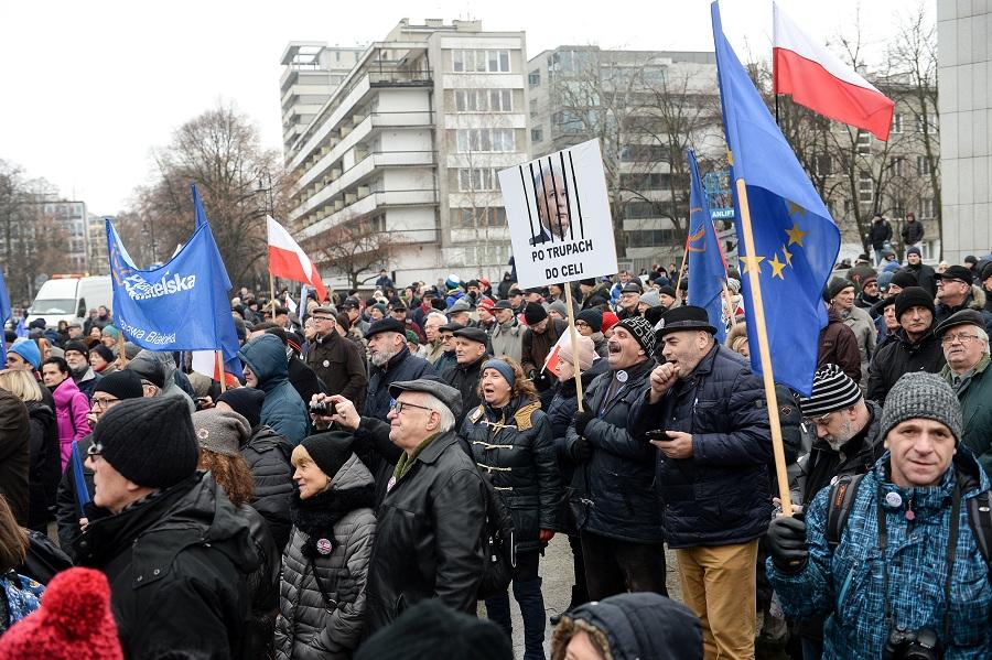 Relacja LIVE sprzed Sejmu - wtorek