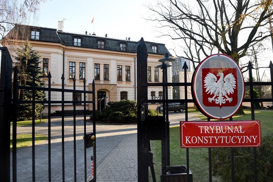 Prof. Słomka: Siła większości zamiast konstytucji