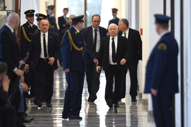 Prof. Staniszkis: PiS szykuje się do zmiany konstytucji