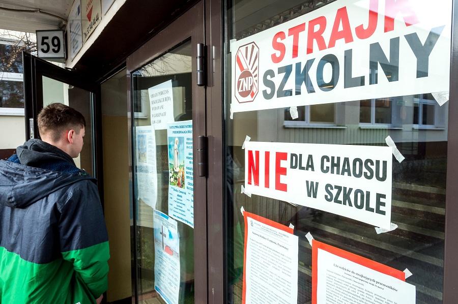Broniarz: Nauczyciele byli zastraszani