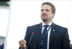 Trzaskowski: PiS odziera Polskę z resztek powagi