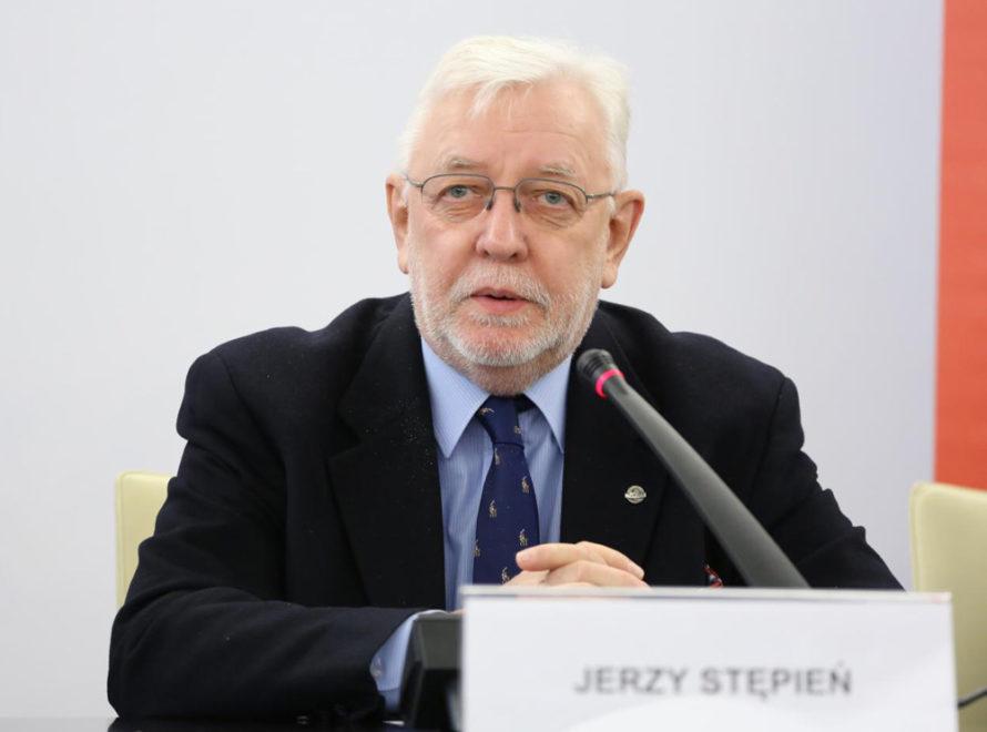 Jerzy Stępień: Prezydent Duda dodymisji