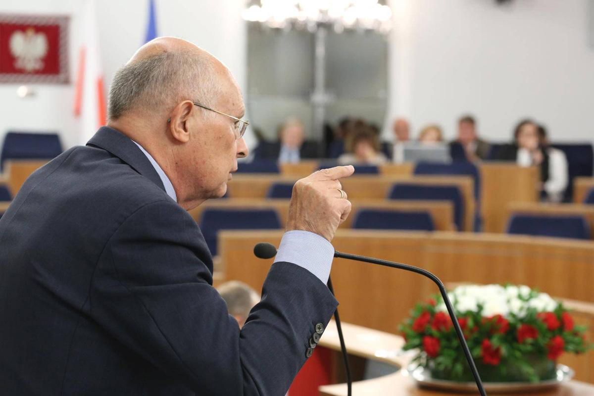 Marek Borowski: Niech prezydent zachowa się przyzwoicie