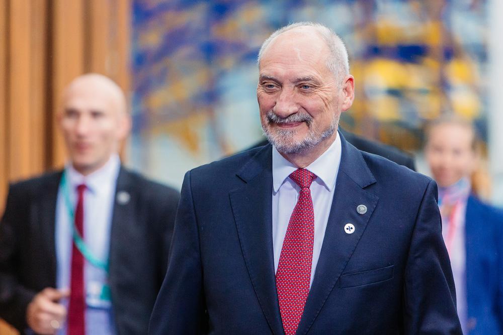 Macierewicz zagraża bezpieczeństwu państwa?