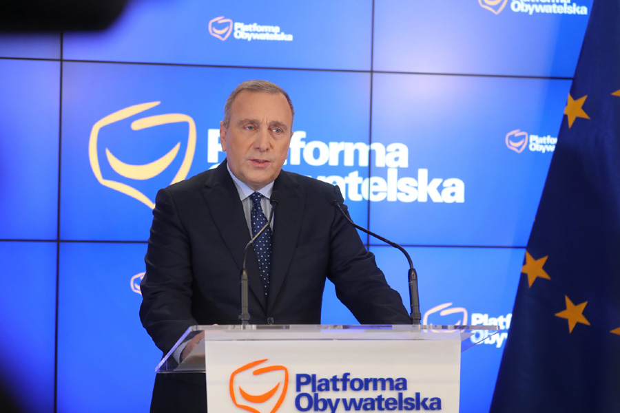 PO wzywa rząd do dymisji, PKW krytykuje Kodeks wyborczy PiS