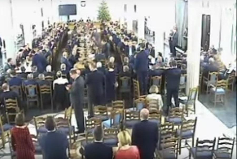 Sąd nakazuje zbadanie posiedzenia w Sali Kolumnowej. PO: Marszałek naruszył prawa opozycji