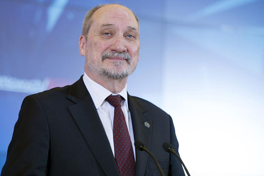 """Macierewicz na wojnie z """"dobrą zmianą""""?"""