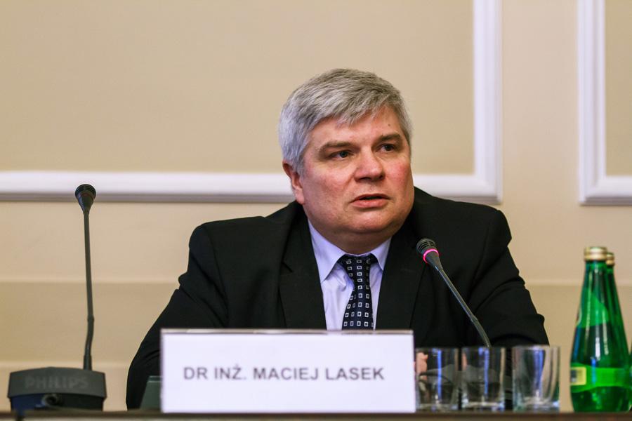 Dr Maciej Lasek: Chciałbym wierzyć, że Macierewicz przestanie szkodzić