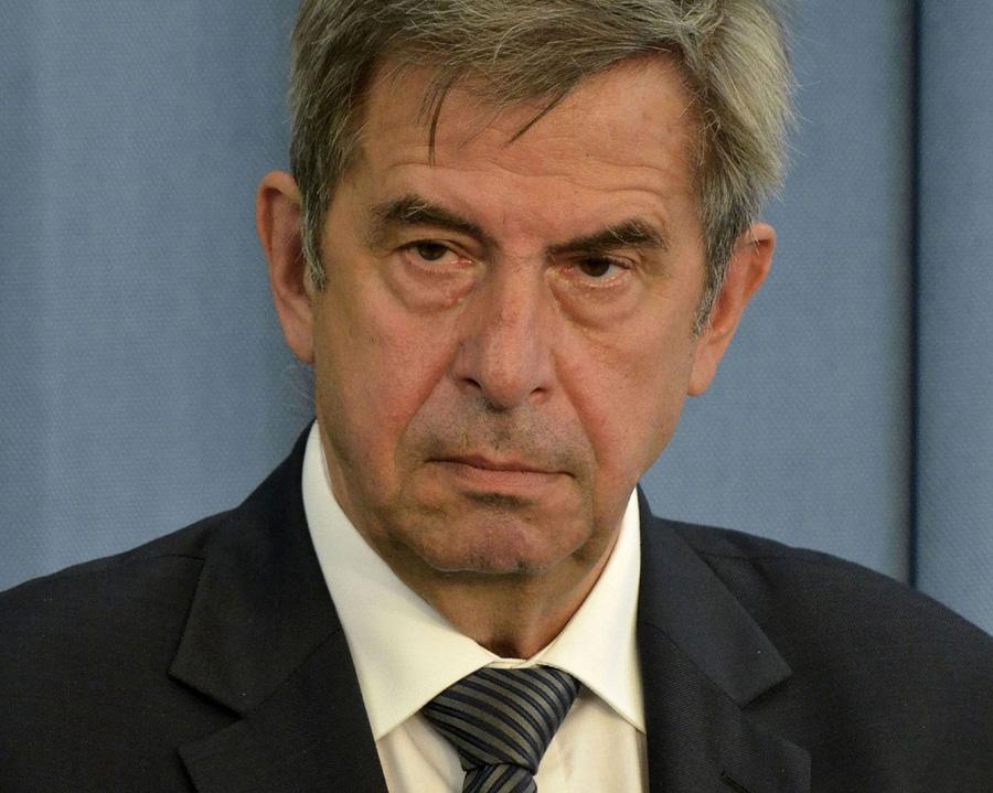 Prof. Andrzej Zoll: Zbliżamy się do PRL
