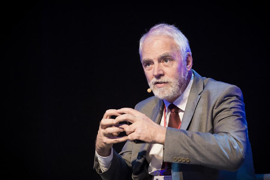 Jan Olbrycht: Komisja Europejska obojętnieje na to, co dzieje się w Polsce