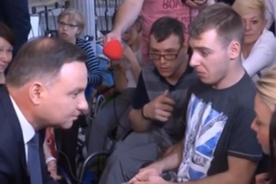 Andrzej Duda spotkał się z protestującymi