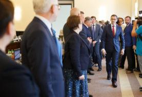 Opozycja wchodzi do ministerstw. W czwartek lista nagród PiS za 2016 rok