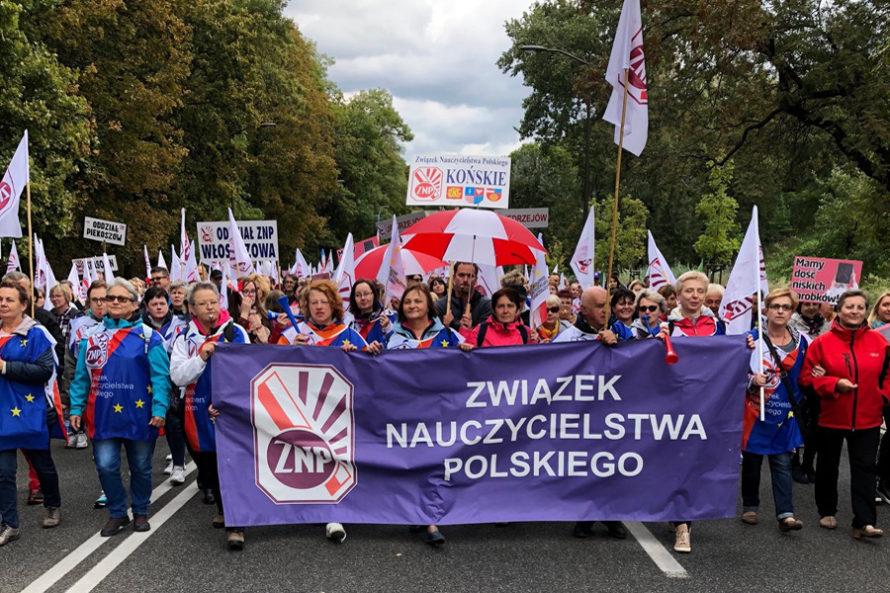 Protest nauczycieli ibudżetówki wWarszawie