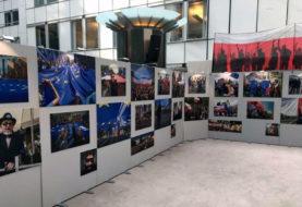 Wystawa w Brukseli. Obrońcy konstytucji oczami Niedenthala i Kryńskiego