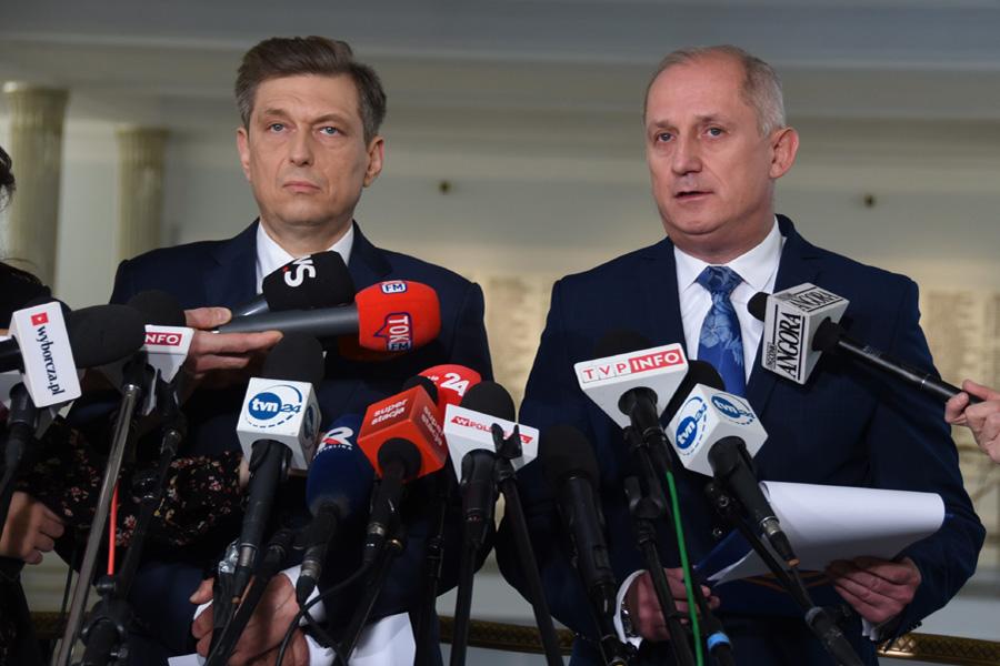 Opozycja chce nadzwyczajnego posiedzenia Sejmu. PiS odmawia
