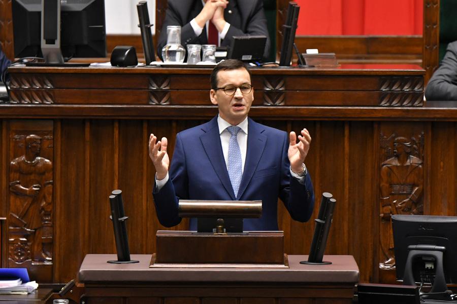 Cyrk w parlamencie. PiS ratuje się przed wyborami