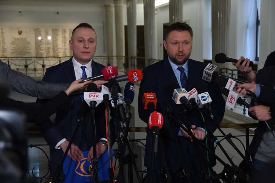 """Incydent z autem Kaczyńskiego. """"Standardy republik bananowych"""""""