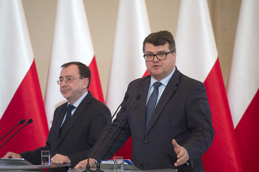 Nowaczyk obciążył polityków PiS przedkomisją