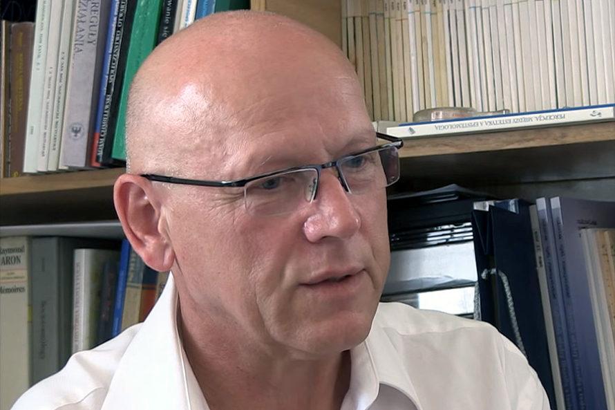 Prof.Adam Chmielewski: Polityczny bezwstyd inisze przyzwoitości