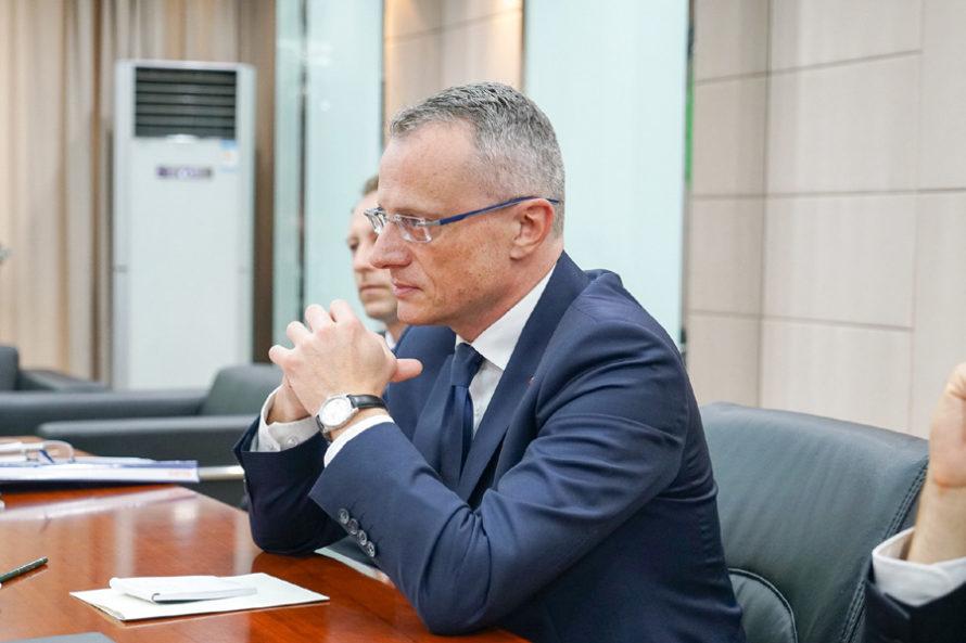"""PiS walczy owładzę """"kartą żydowską"""""""